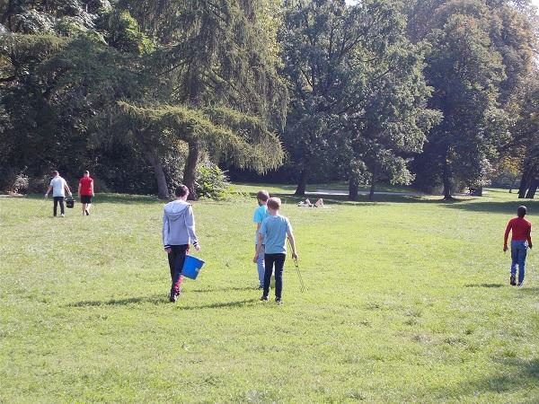 Bildungslandschaft Bäke - Clean up im Naturschutzgebiet Bäkepark (Berlin)