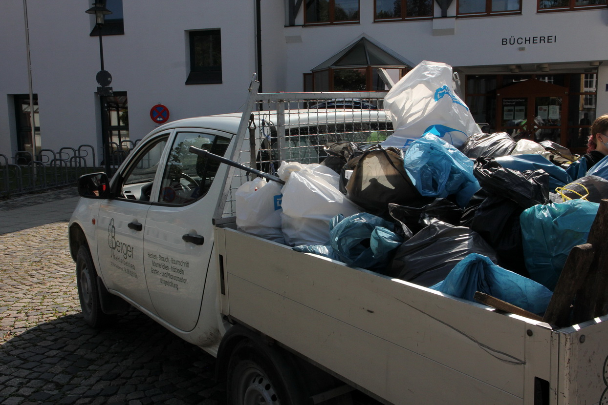 World Clean Up Day 2021 in Gröbenzell (Bayern)